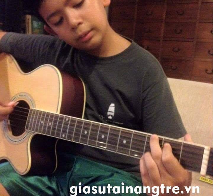 Học đàn Guitar tại quận 3