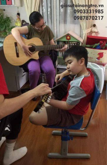 Học đàn Guitar tại quận Tân Phú